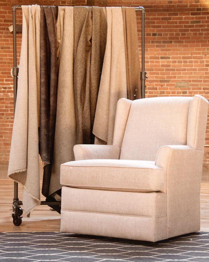 01England Furniture Valerie Swivel Chair